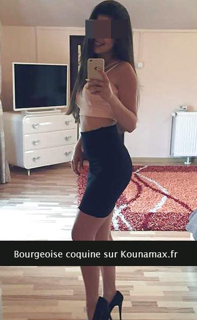 Bourgeoise de Cannes en manque de sexe